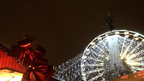 Grande roue place de la République. © Jondi